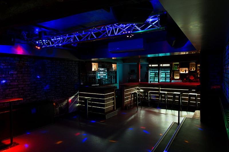 Bar und Tanzfläche von Venus Celler